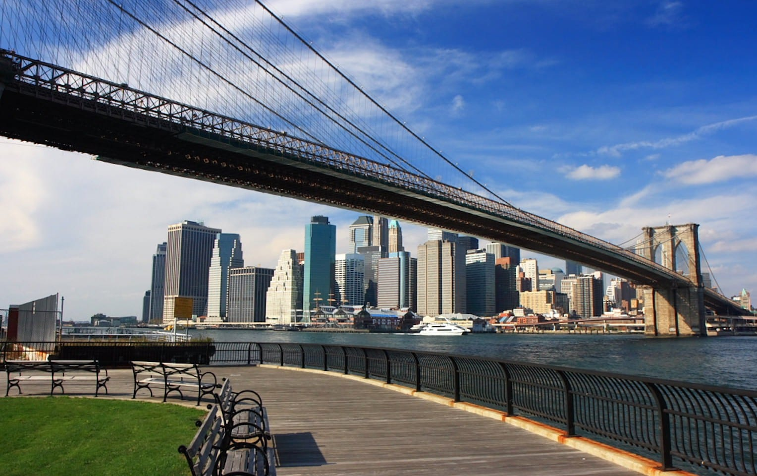 brooklyn bridge the most famous bridge in new york city. Black Bedroom Furniture Sets. Home Design Ideas