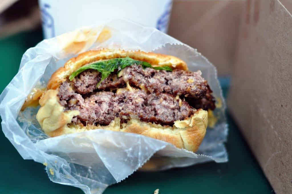 Shake-Shack-L.Richarz-Burger