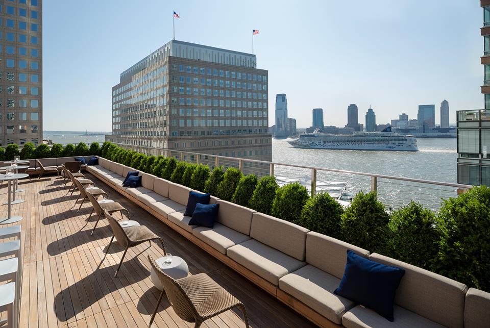 loopy doopy rooftop-bar at conrad hotel new york
