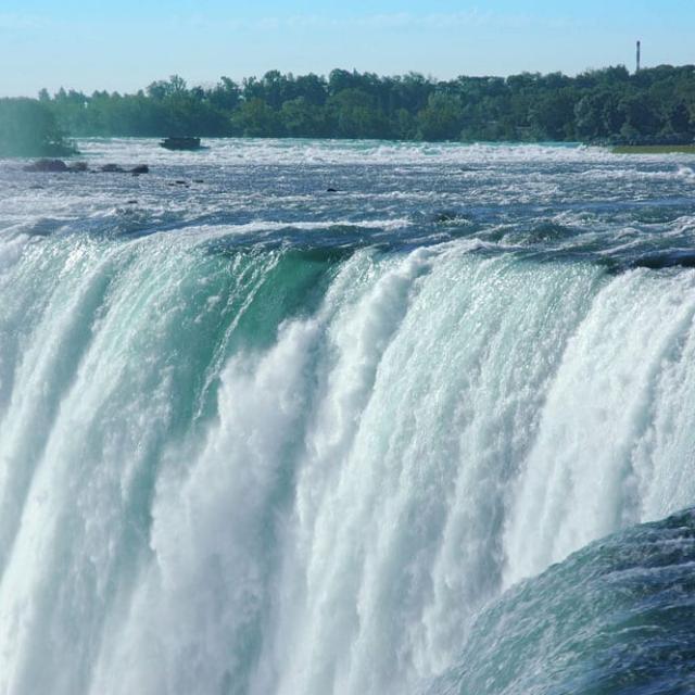 1 Day Trip to Niagara Falls