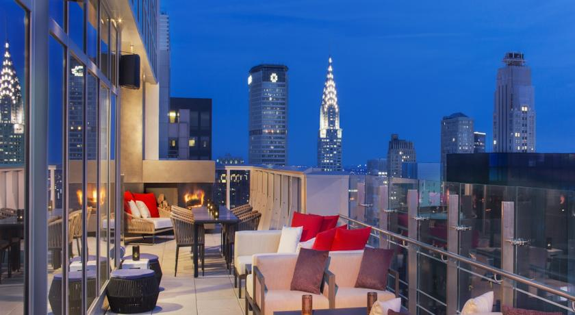 rooftopbar at the hyatt times square new york