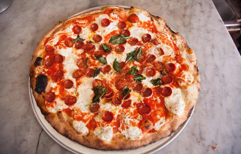pizza dish at grimaldi's pizza in nyc