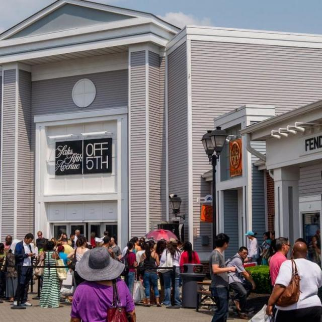 Day trip to: Woodbury Common Outlets in New York