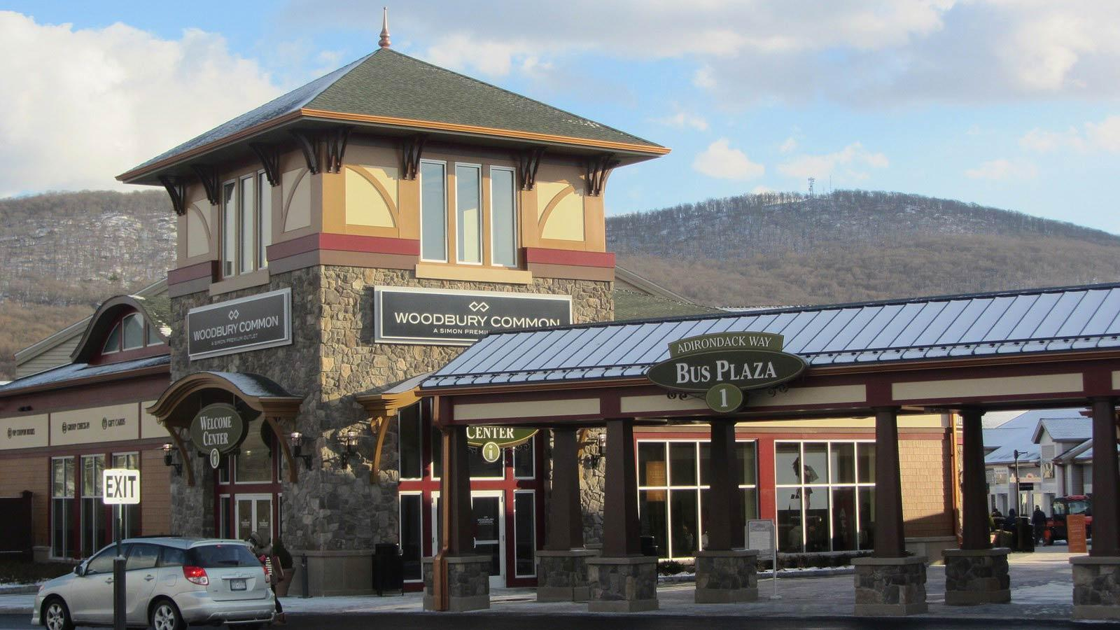 Woodbury Common Outlets In Nyc The Ultimate Shopping