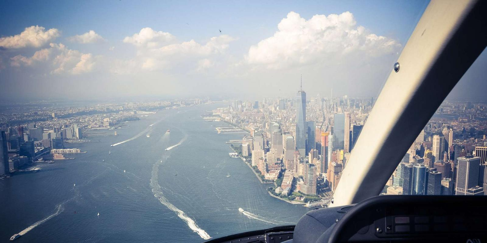 New York Helicopter Tour: Manhattan, Brooklyn, and Coney Island