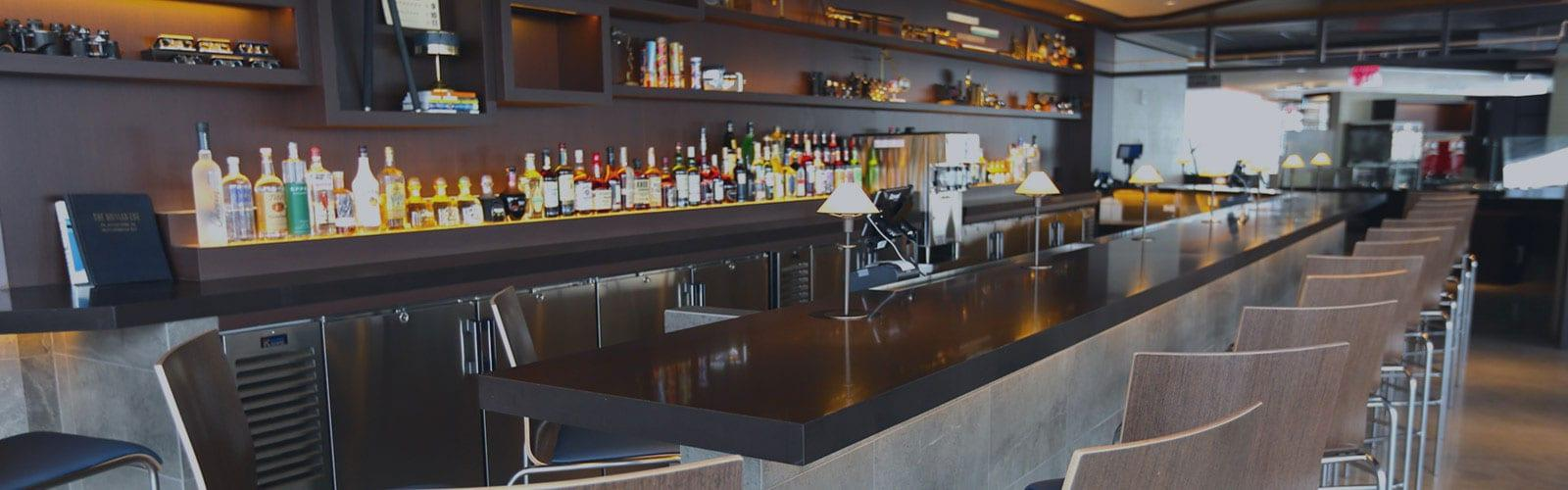bar at one world trade center restaurant