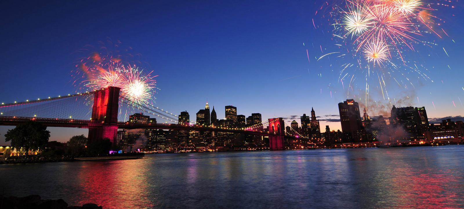 New Year's Eve in NYC 2016 | Fireworks Cruise Tickets & Info