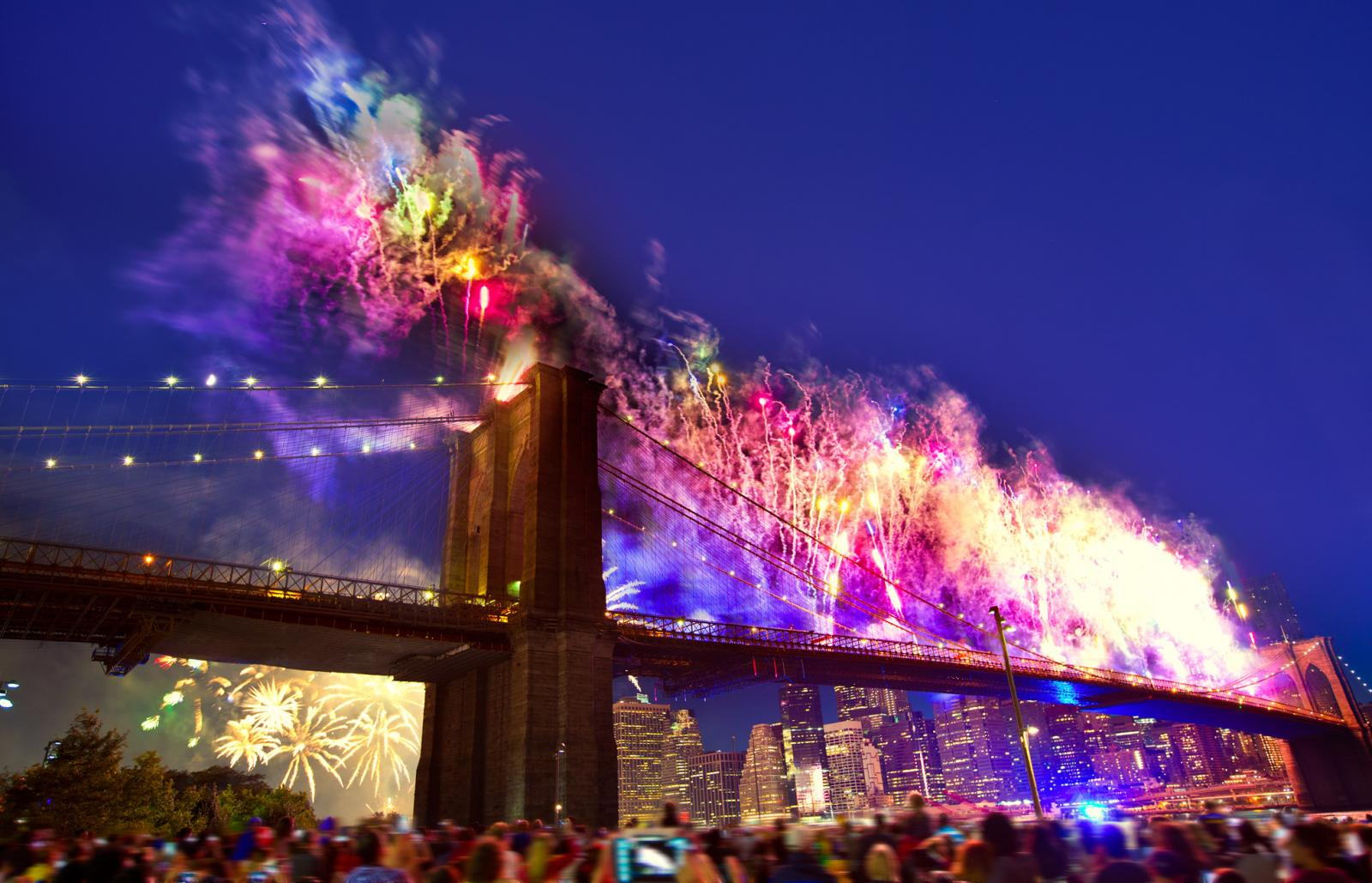 Fireworks Brooklyn Bridge NYE