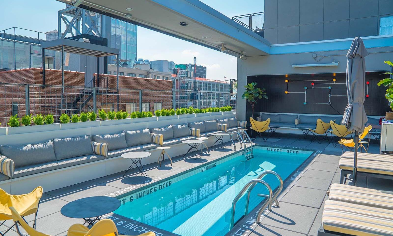 La Piscine Rooftop Bar NYC - Drinks and Pool with a View