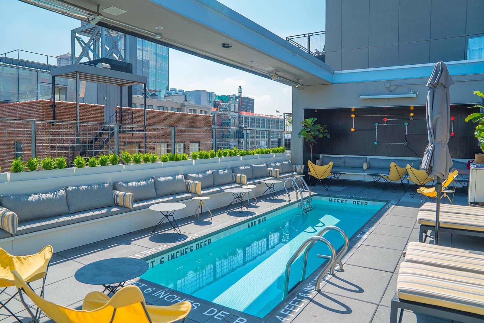 La Piscine Rooftop Bar