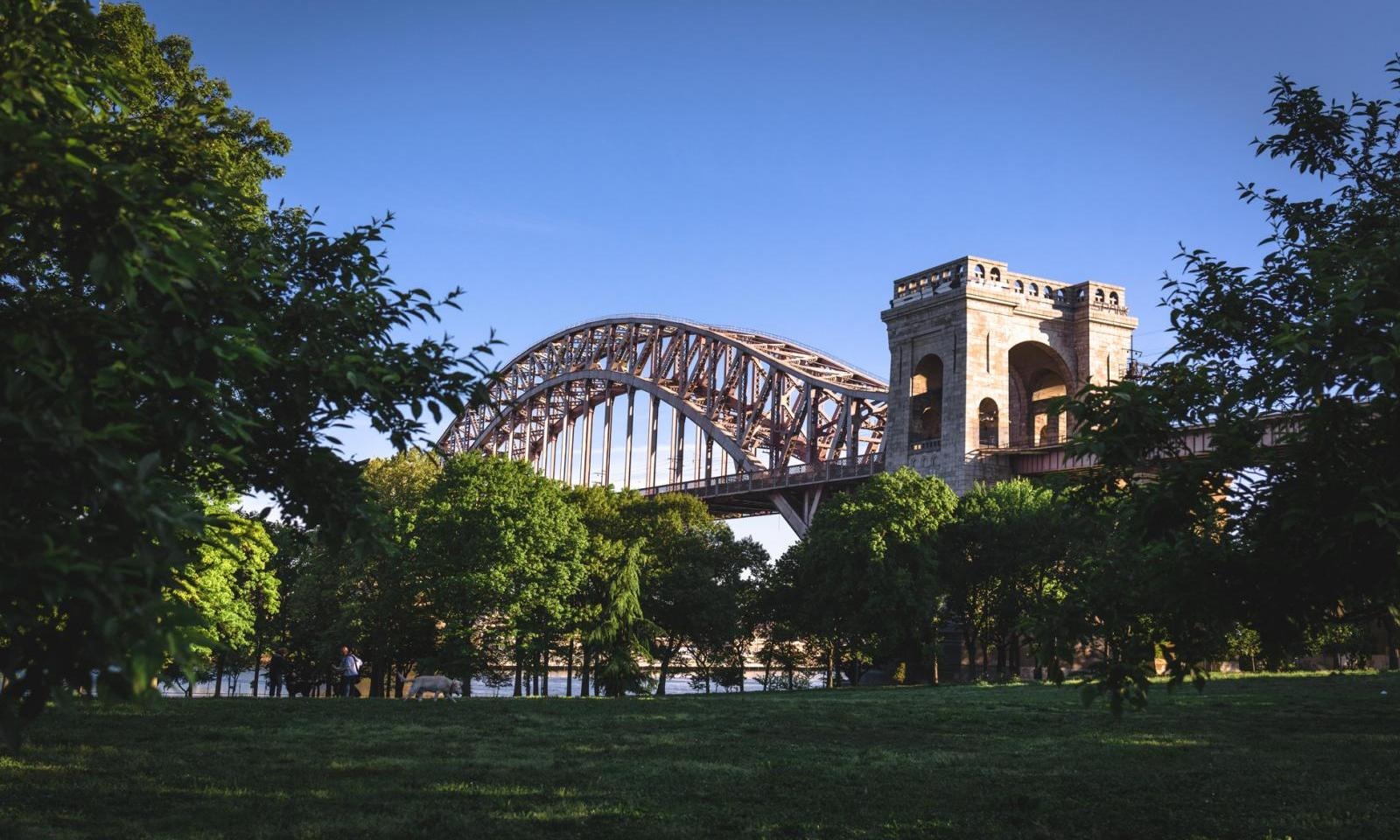 Astoria Park Queens The Neighborhood 39 S Small Getaway