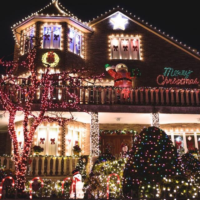 Dyker Heights Christmas Tour