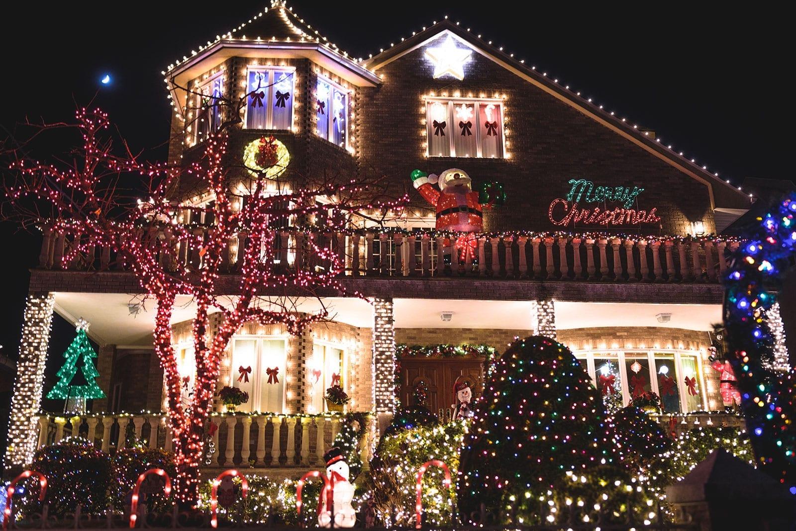 Dyker Heights Christmas Lights Tour 2020 The Dyker Heights Christmas Tour in Brooklyn   See The Best