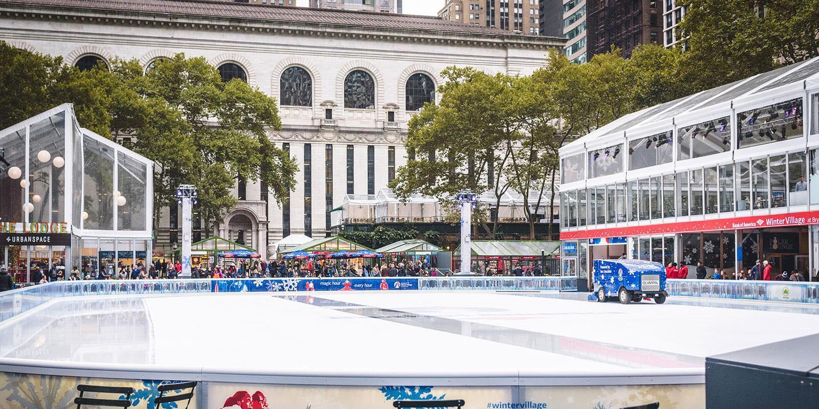 Pistas de hielo en Bryant Park en octubre