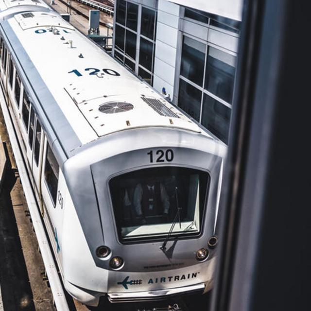 How to use the AirTrain JFK