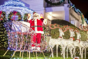 One of the Best Dyker Heights Christmas Lights Tours : The 4-Hour Dyker Heights Holiday Lights Bus Tour
