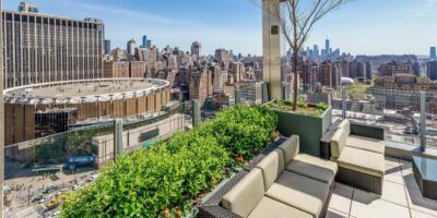 Skyline_Rooftop_Bar_New_York__210525142348005