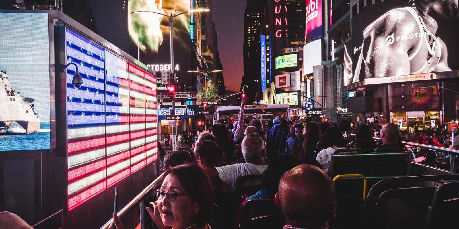 El mejor recorrido en autobús nocturno por Nueva York Love New York Times Square